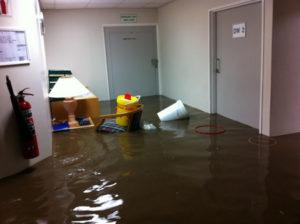 somerset_west_flash_flood_vergelegen_medi_clinic1
