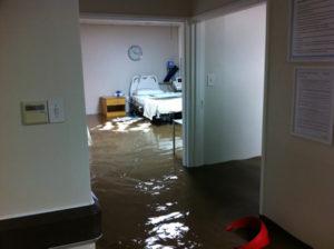 somerset_west_flash_flood_vergelegen_medi_clinic2